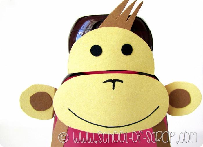 Lavoretti bambini: scimmia fatta con un flacone di shampoo