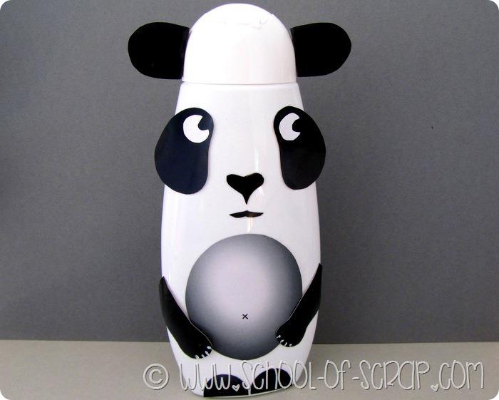 Lavoretti bambini: il panda fatto con un flacone di shampoo