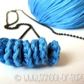 Scuola di Uncinetto: come fare una collana con le perline a crochet