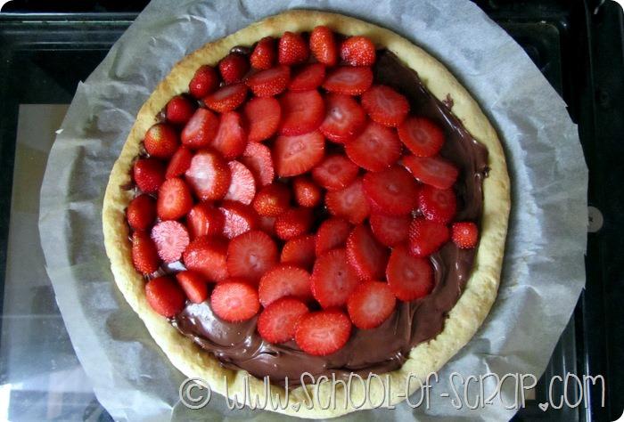 Focaccia con fragole e cioccolato e poi #LiberidiSporcarsi