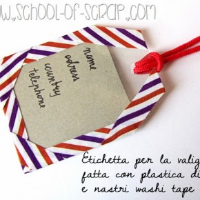 Vacanze DIY: etichetta per valigia fatta con plastica riciclata e Washi Tape
