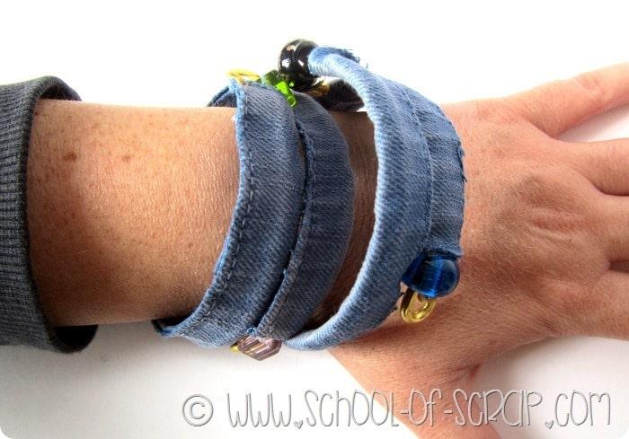 Bijoux fai da te in 5 minuti: bracciale tipo schiava fatto con cucitura di jeans