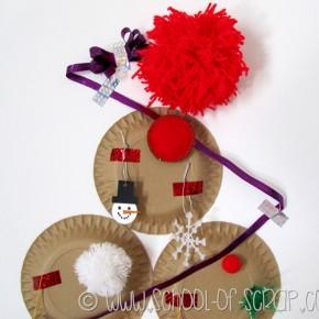 Idee per Natale: l'albero da parete fatto con i piatti di carta