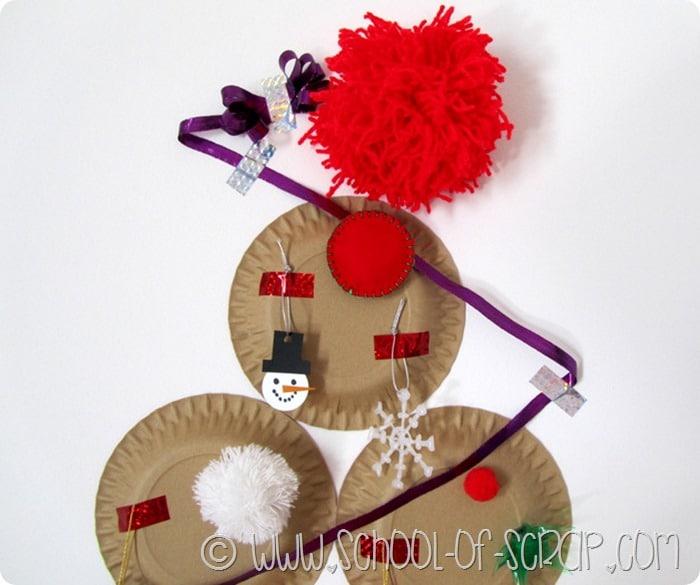 Idee per Natale: l'albero da parete con fatto con i piatti di carta