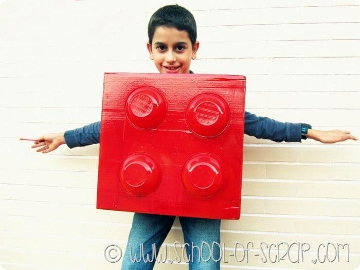 Carnevale fai da te: come fare la maschera da mattoncino Lego a costo zero