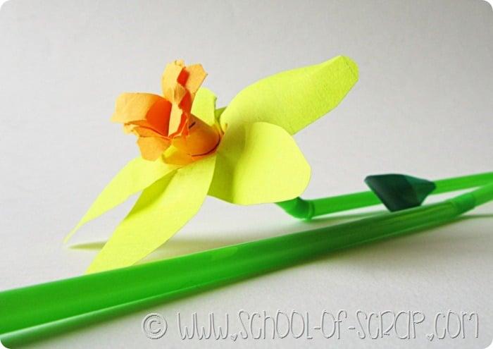 idee per la festa della mamma: da regalare i fiori fatti di carta dei post-it