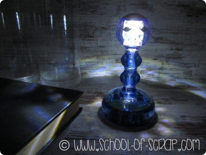 Campanello lampada da tavolo dal design bello, buono e utile (2)