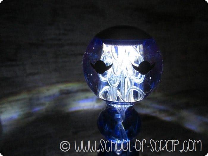 Campanello lampada da tavolo dal design bello, buono e utile