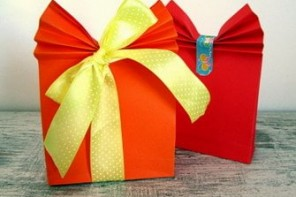 Lavoretti per la festa della mamma: pacchetto regalo fai da te