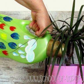 riciclare il flacone del detersivo e trasformarlo in innaffiatoio su DonnaD