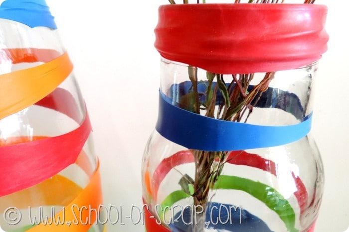 Riciclo creativo: trasformiamo i vasi di vetro in vasi decorati e colorati