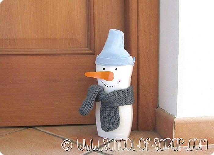 Natale in 1 minuto: pupazzo di neve riciclando il flacone del detersivo