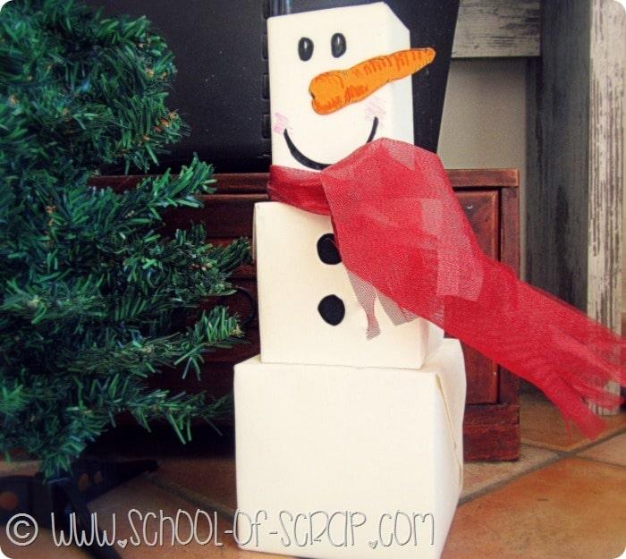 Natale in 1 minuto: come fare il pacchetto regalo a forma di pupazzo di neve
