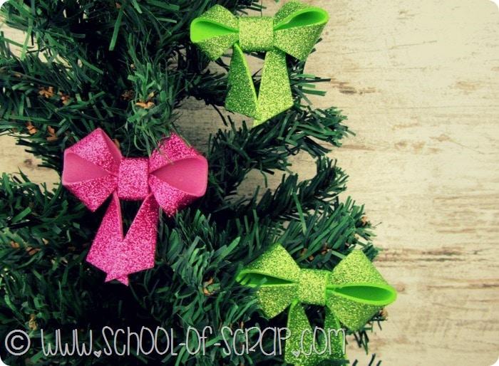 Natale in 1 minuto: come fare i fiocchetti glitterati per l'albero #IloveOpitec