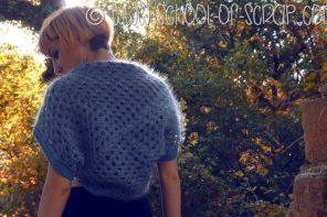 Scuola di uncinetto: lo scalda-spalle Nuvola per Donna Creativa Trendy Girl