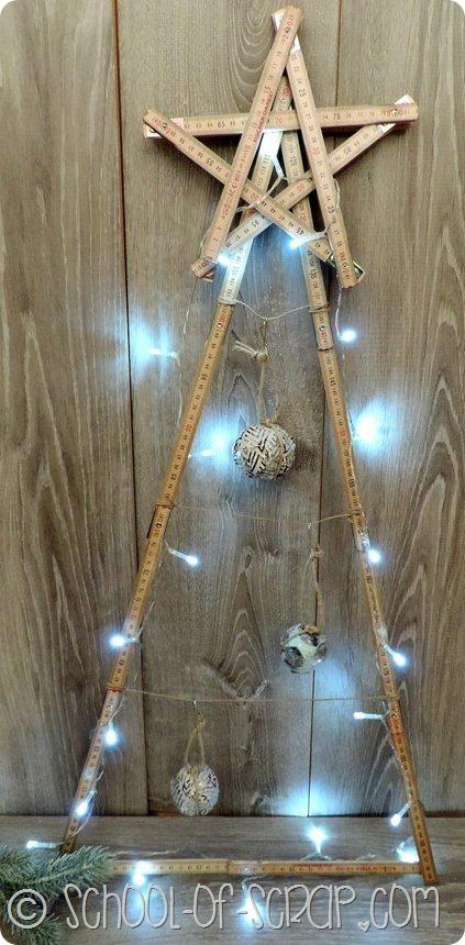 albero di Natale calendario dell'avvento fatto con il metro di legno