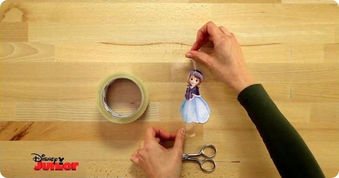 come impermeabilizzare le figure Disney per la palla di neve natalizia