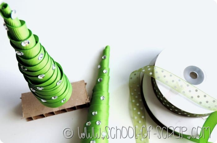 Natale creativo alberelli di Natale fai da te con i nastri