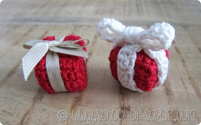 Scuola di Uncinetto palline di Natale fai da te a forma di pacchetto regalo