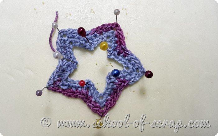 stella forata a crochet inamidata con la lacca