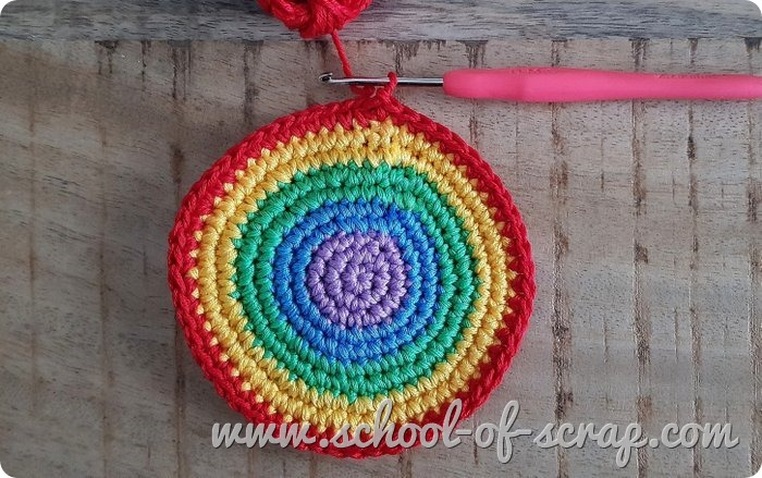 uncinetto facile - tutorial portachiavi arcobaleno amigurumi a crochet