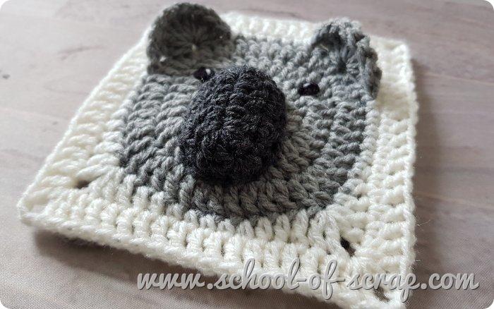 Uncinetto -mattonelle granny square con animali 3D il koala